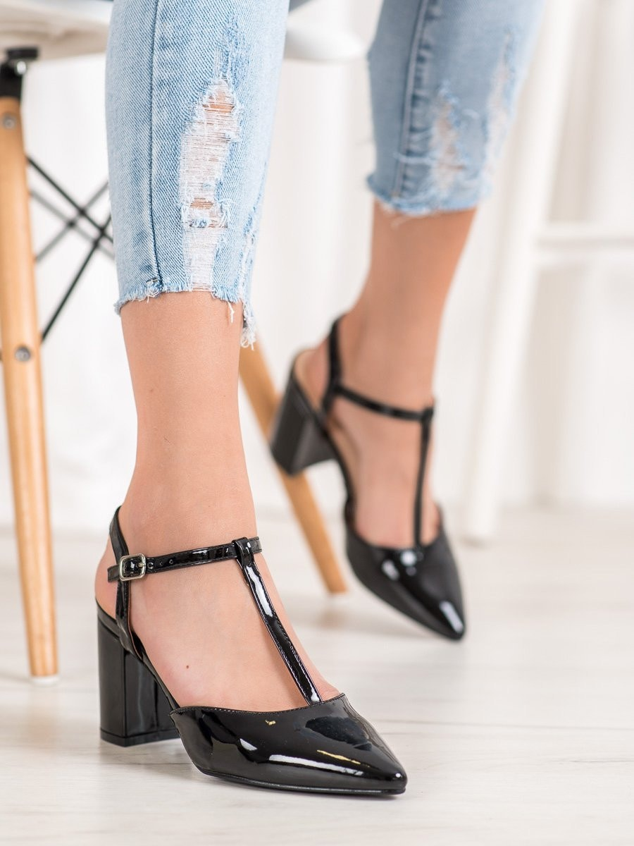 DIAMANTIQUE PUMPS ON THE POST WITH THE HEEL EXPOSED