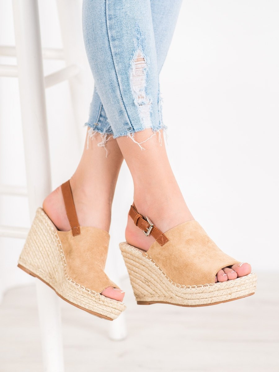 SMALL SWAN FASHIONABLE SUEDE SANDALS