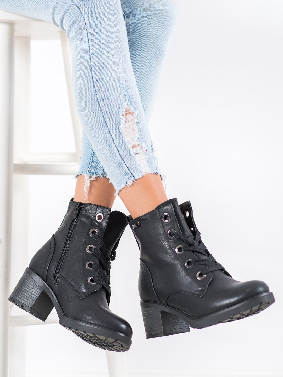 GOODIN COMFORTABLE LACE-UP BOOTIES