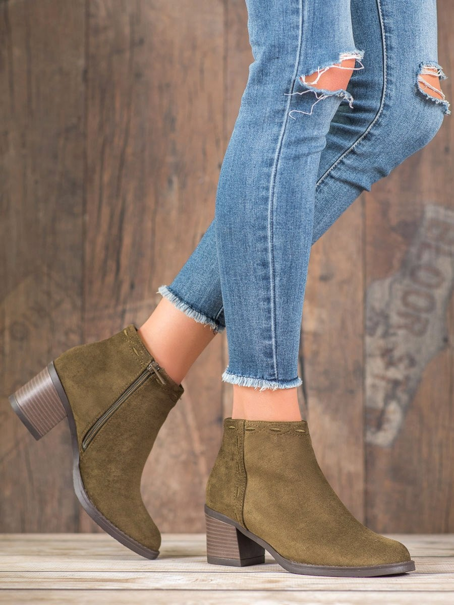 KYLIE OLIVE BOOTIES ON THE POST