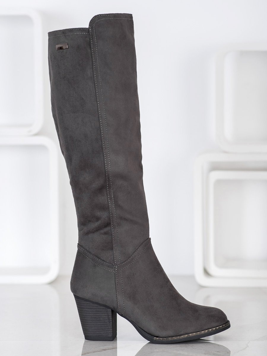J. STAR COMFORTABLE BOOTS ON THE POST