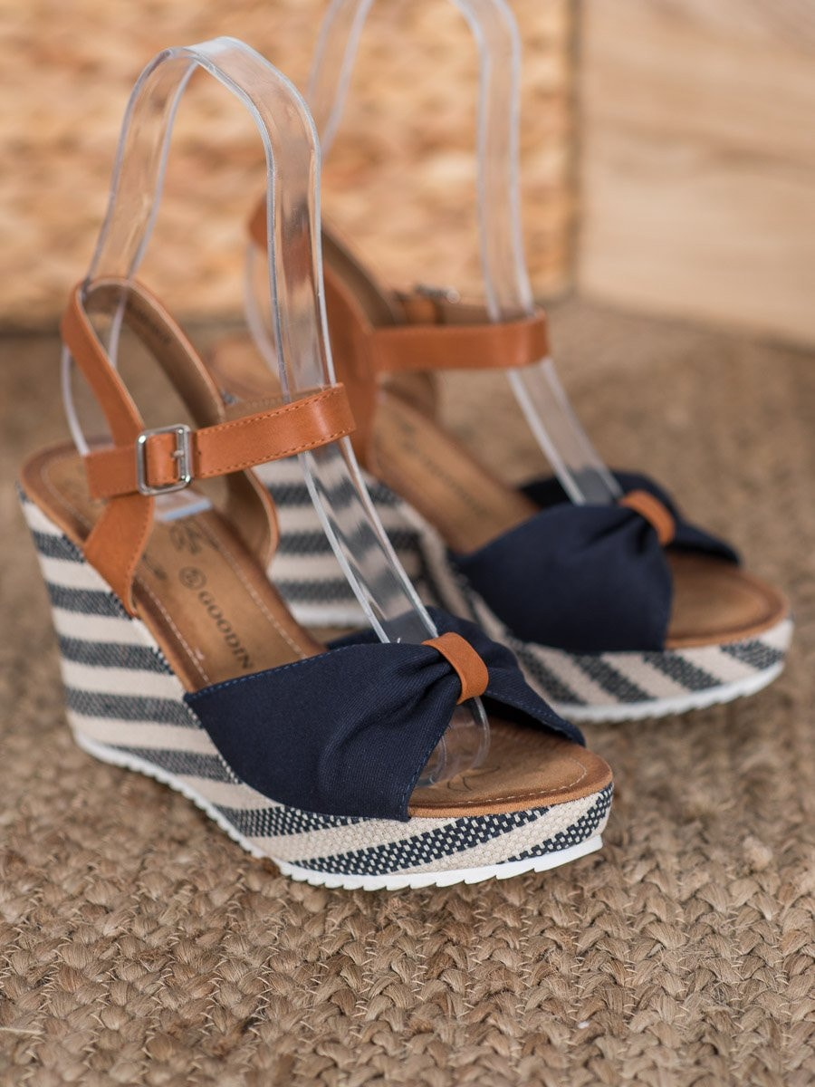 GOODIN NAVY SANDALS ON THE CO-TURN