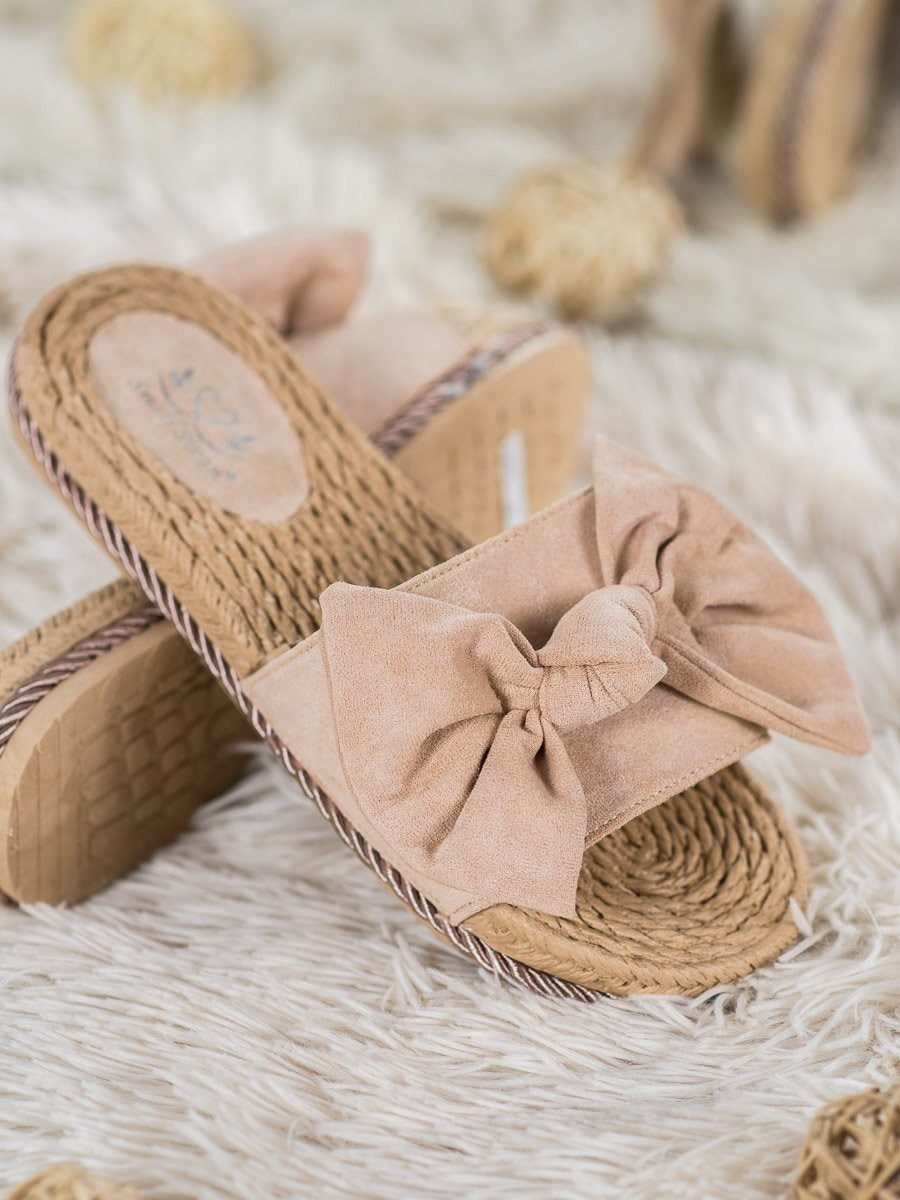 SMALL SWAN FASHIONABLE FLIP-FLOPS WITH BOW