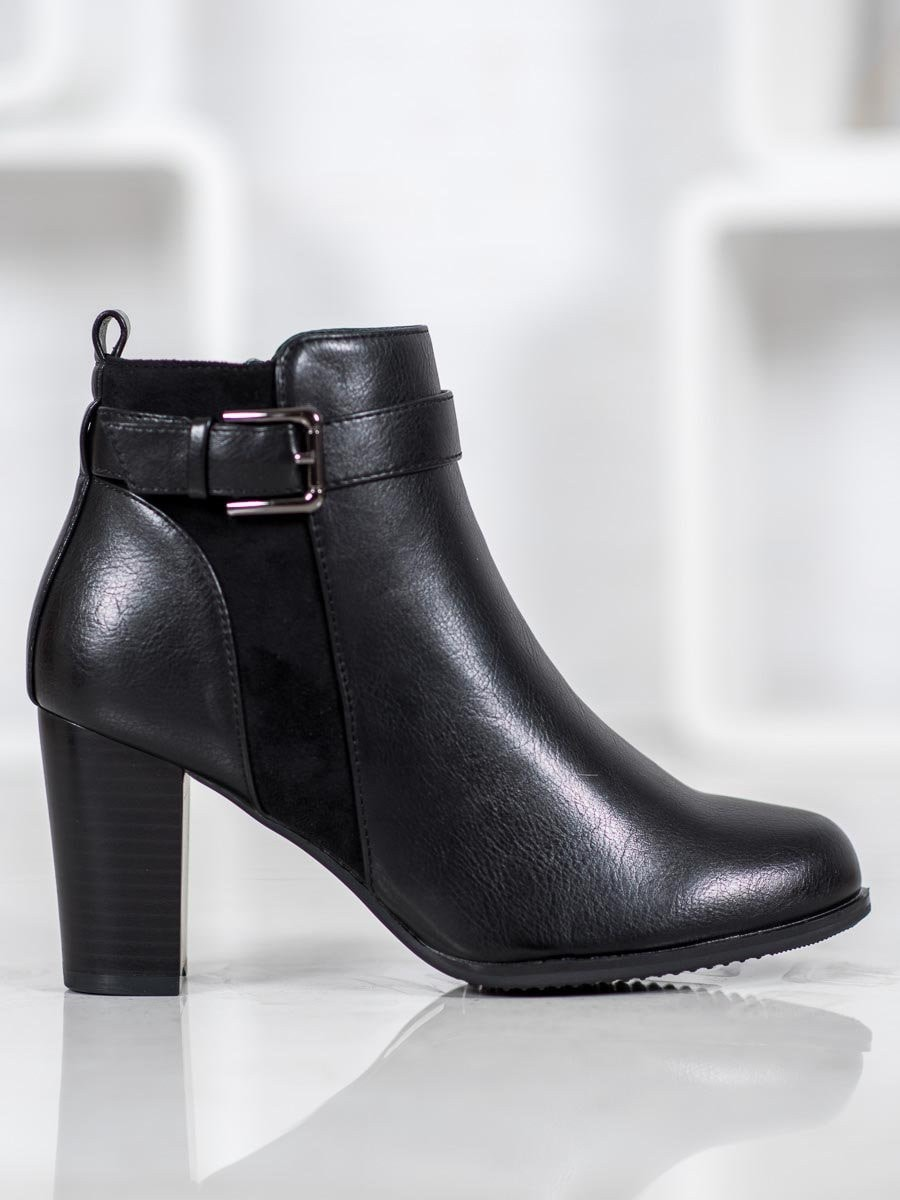 J. STAR WARM ANKLE BOOTS WITH BUCKLE