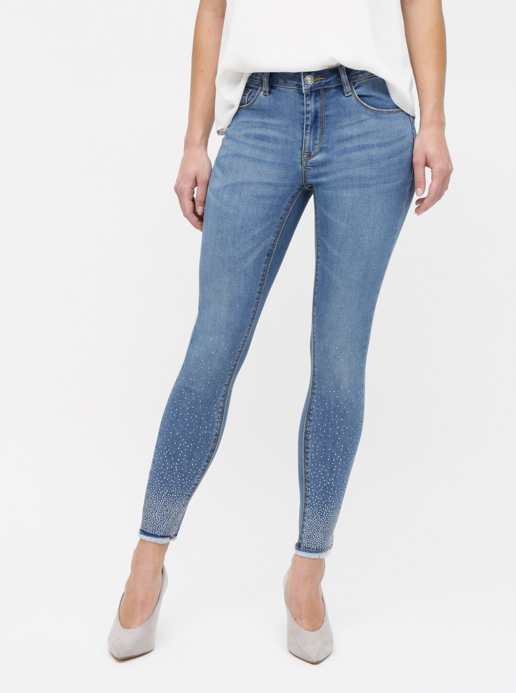 Blue skinny fit jeans with only carmen app