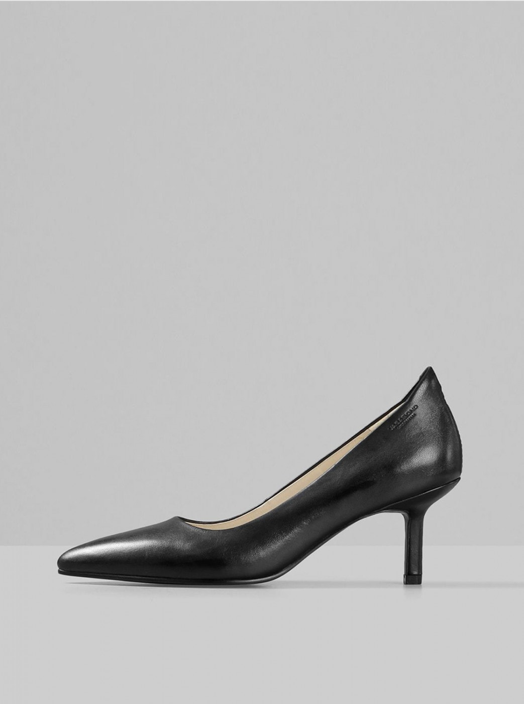 Black Leather Pumps Vagabond Pauline