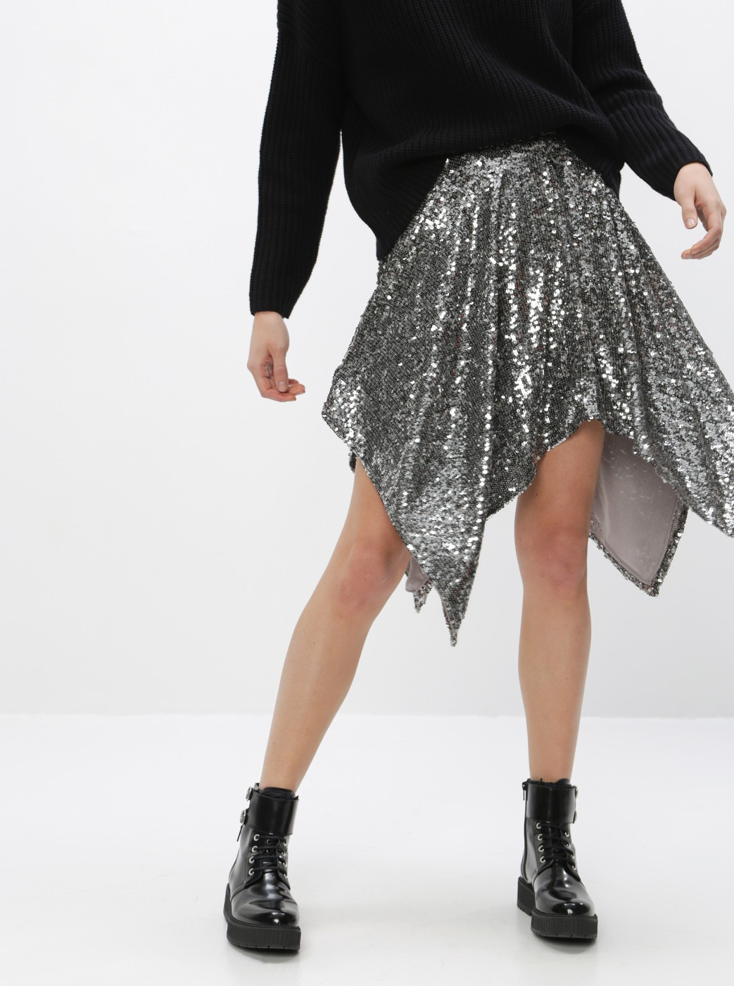 Skirt with elongated tips and sequins in silver Miss Selfridge