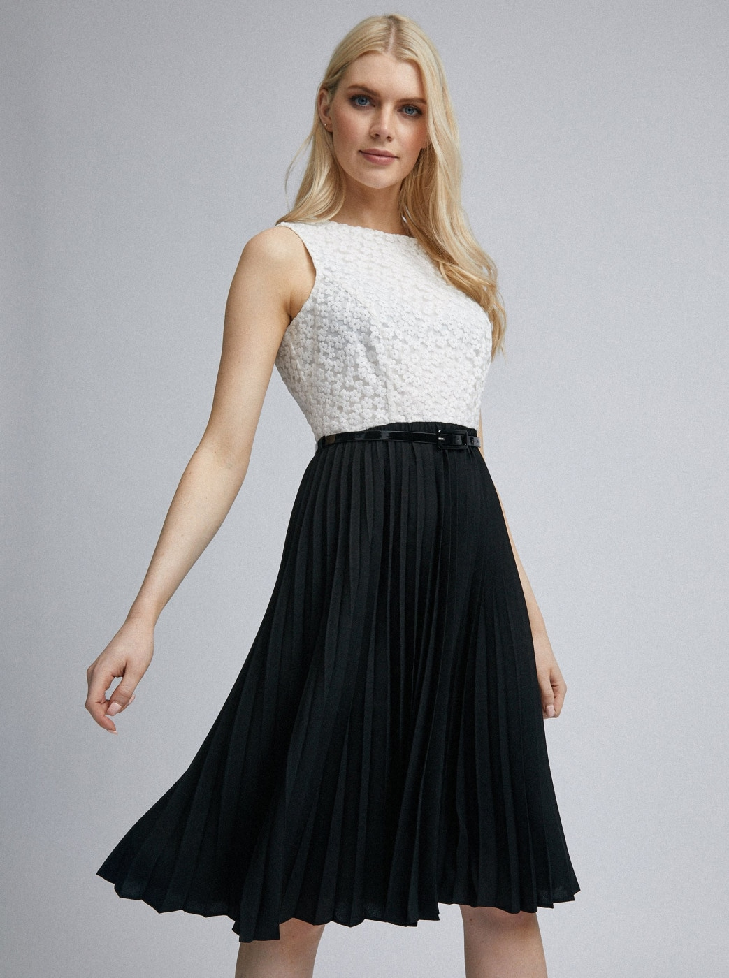 White-black pleated dorothy perkins dress