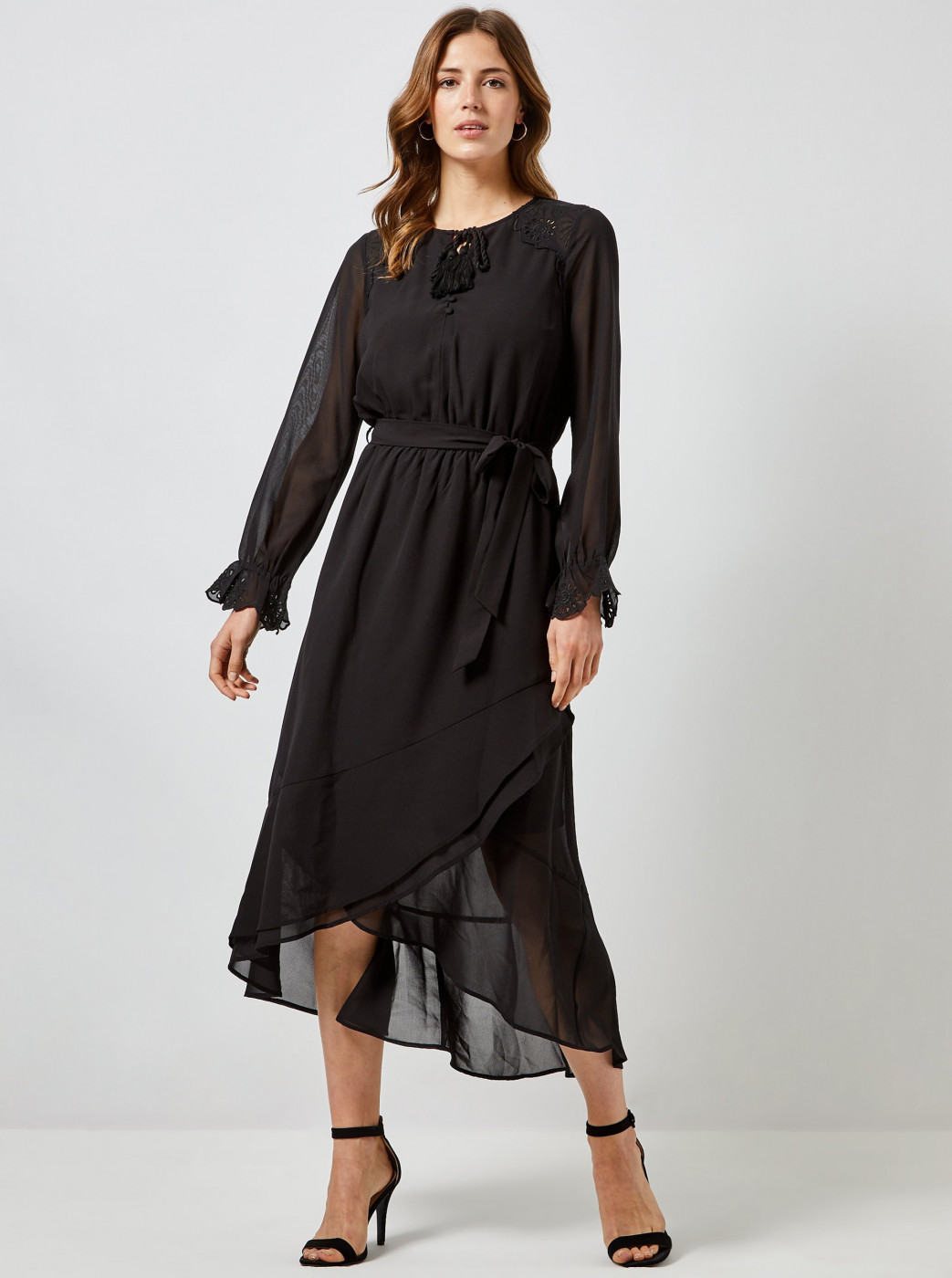 Black maxi dress with cut-out in Dorothy Perkins décolletage