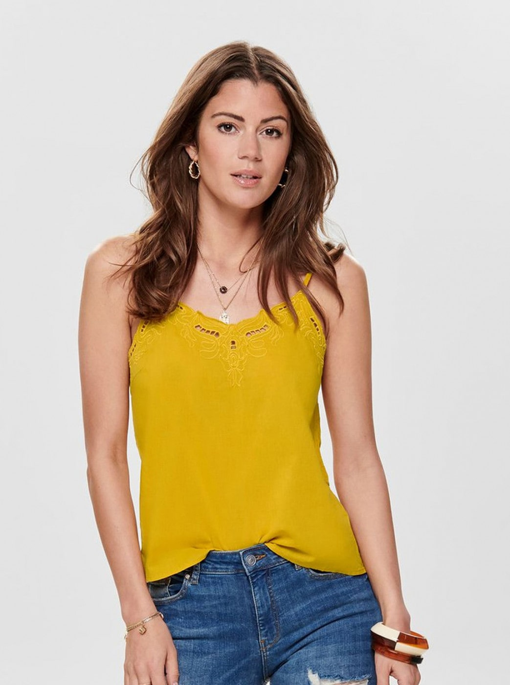 Yellow tank top with ONLY Sixty lace