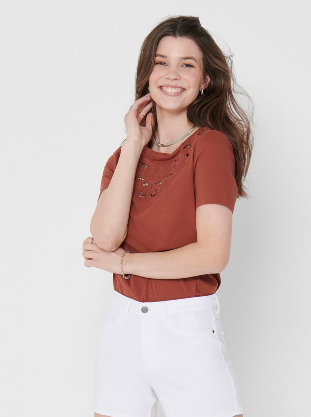 Brown T-shirt with embroidery ONLY Theresa