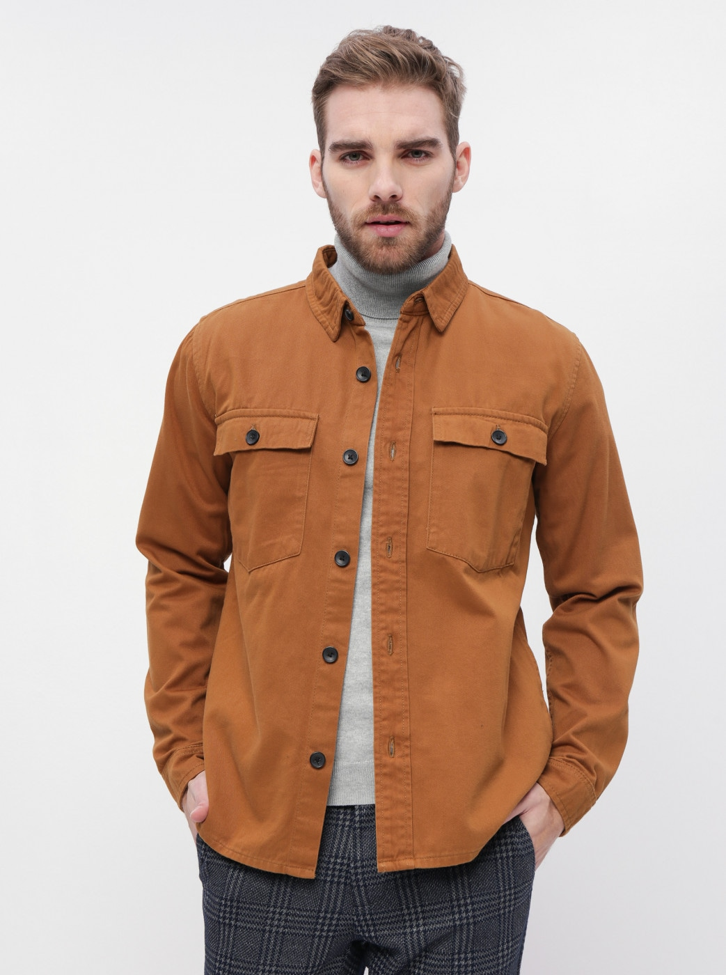 Brown slim fit shirt with Lindbergh pockets