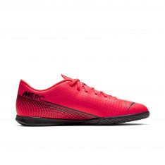 Nike Mercurial Vapor 13 Club IC Indoor/Court Soccer Shoe