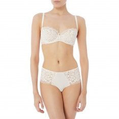 Wacoal LACE ESSENTIAL BALCO Cream 36E