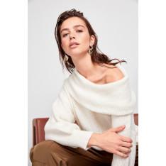 Trendyol Ekru Degaje Collar Knitwear Sweater