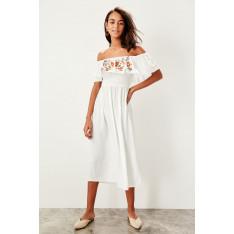 Trendyol White collar embroidered Midi Boy beach dress