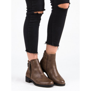 IDEAL SHOES BROWN ANKLE BOOTS FLAT HEEL