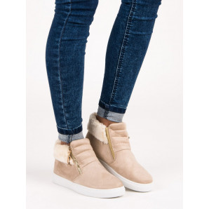 SPORT BEIGE SNEAKERS ON THE ANKLE