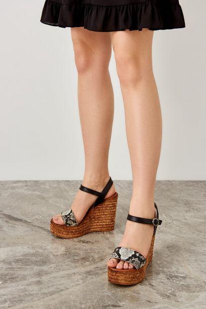 bc55fc7288 Trendyol Black Snake-Patterned Women Filling Wedge-Heeled Shoes