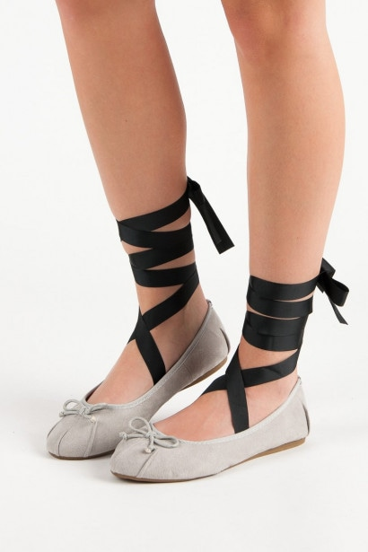 LUCKY SHOES GRAY LACE-UP BALLET PUMPS