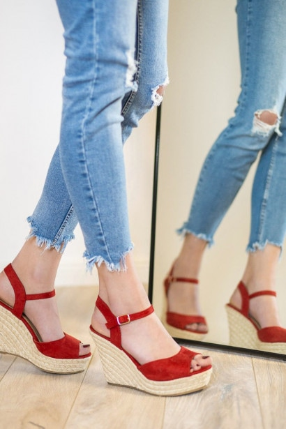 producent niezdefiniowany RED SANDALS