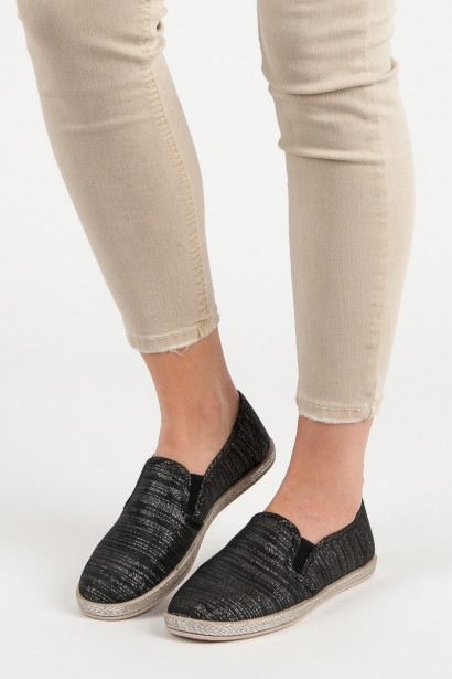 IDEAL SHOES COMFORTABLE SLIPONY