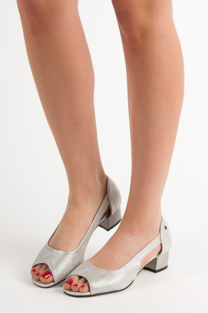 GOODIN SILVER PUMPS WITH OPEN TOE