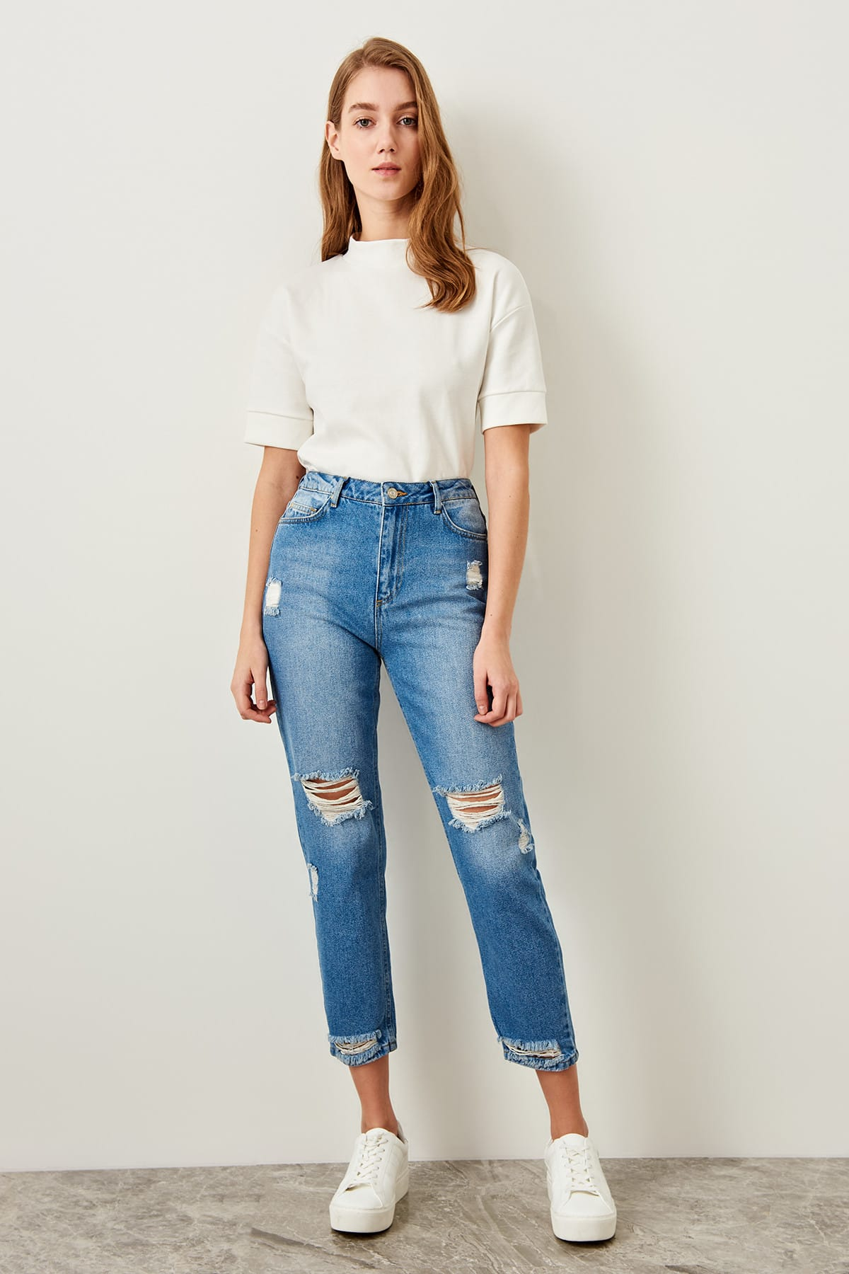 Trendyol Blue High Waist Mom Jeans Torn Detailed