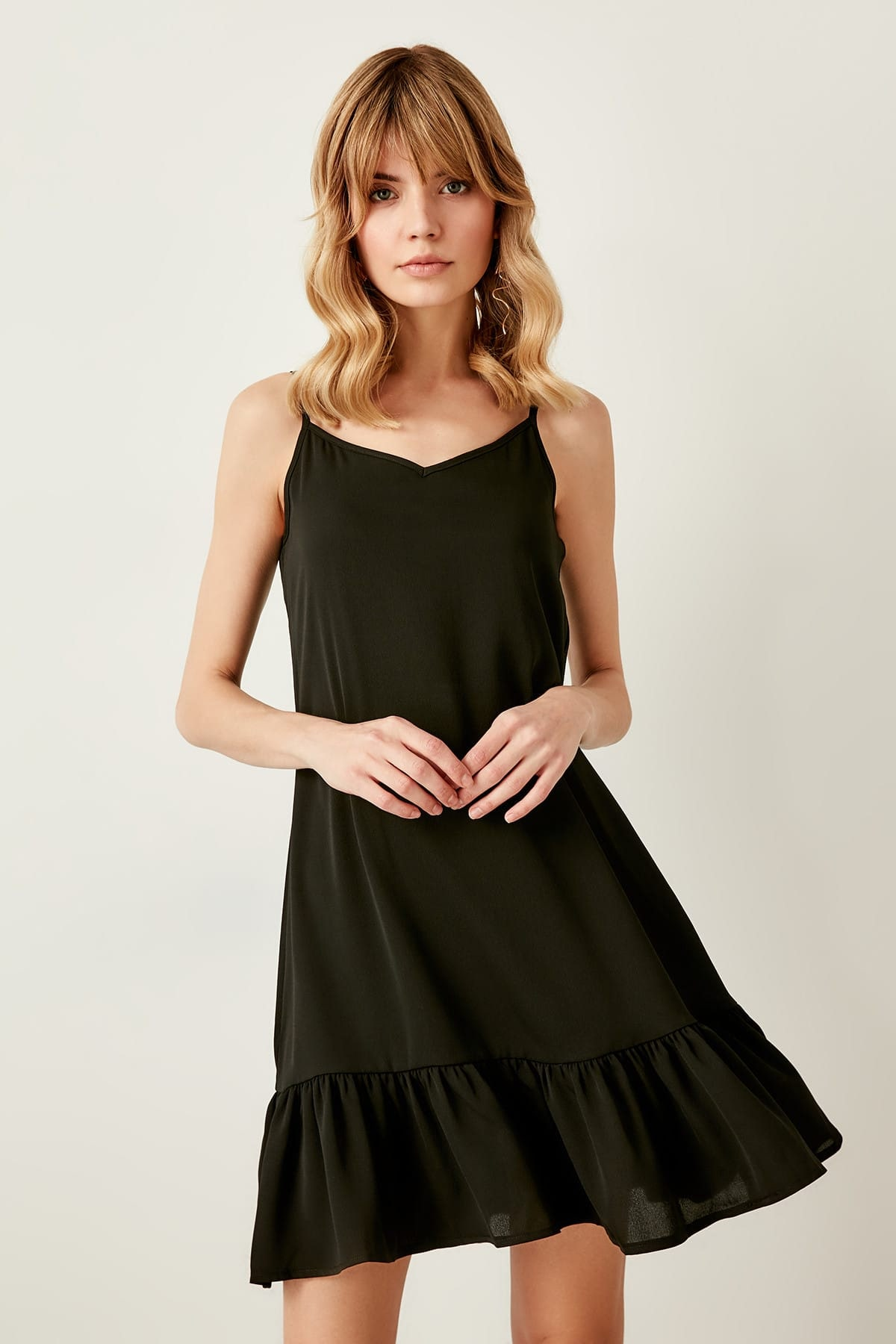 Trendyol Black Hand-Wheel Dress