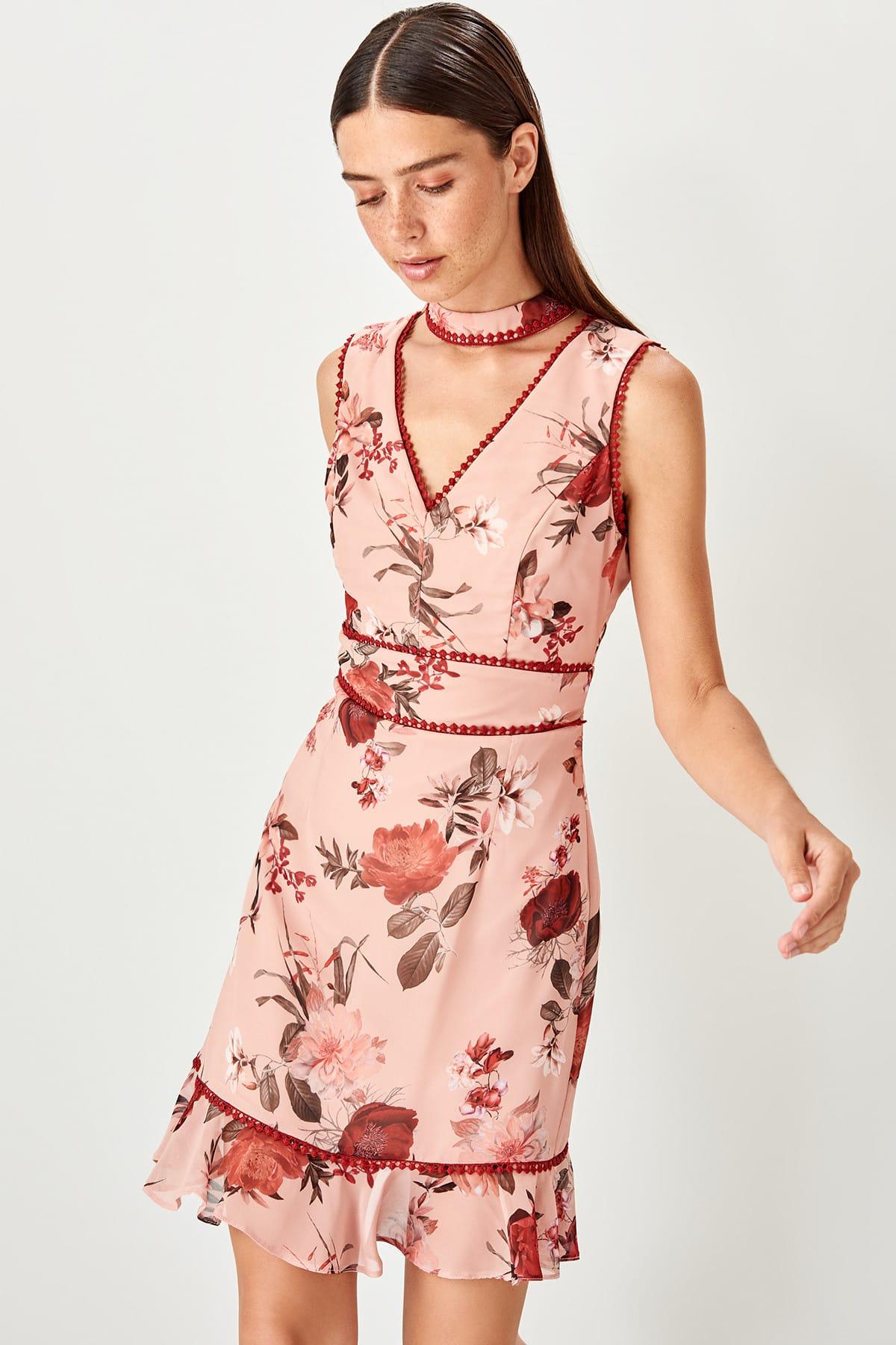 Trendyol dlhé dámske šaty s kvetinovou potlačou