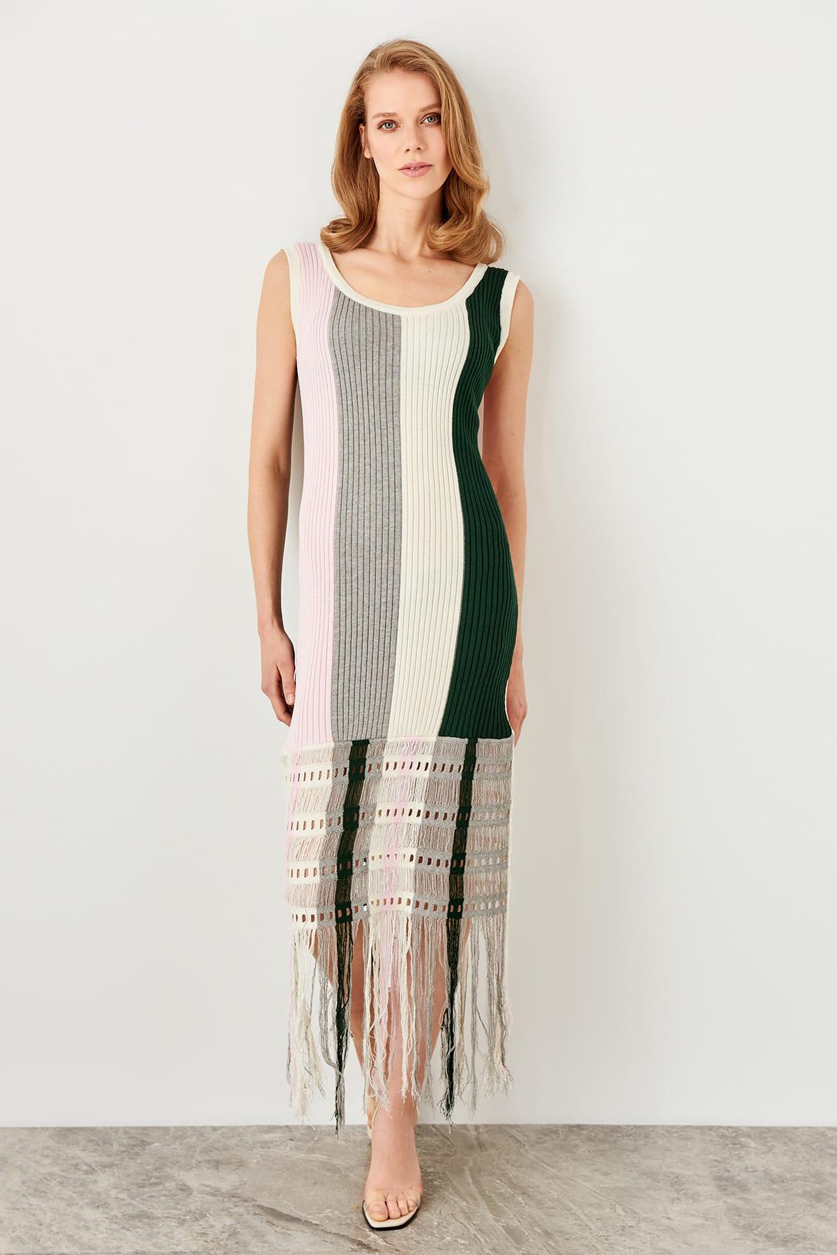 Trendyol dámske pásikavé pletené šaty