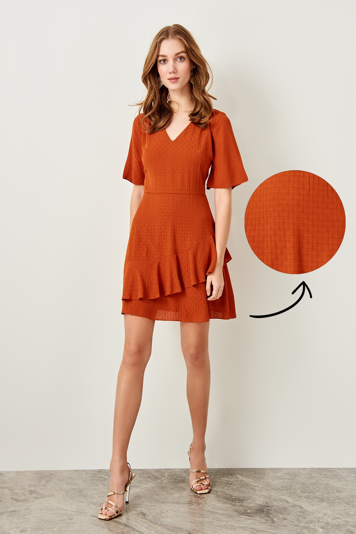Trendyol Cinnamon Hand-Wheel Dress