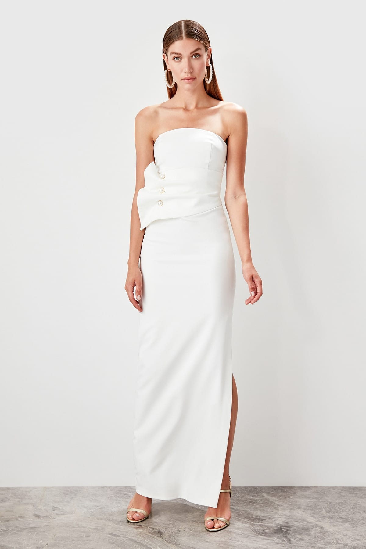 Trendyol dámske večerné šaty s detailmi