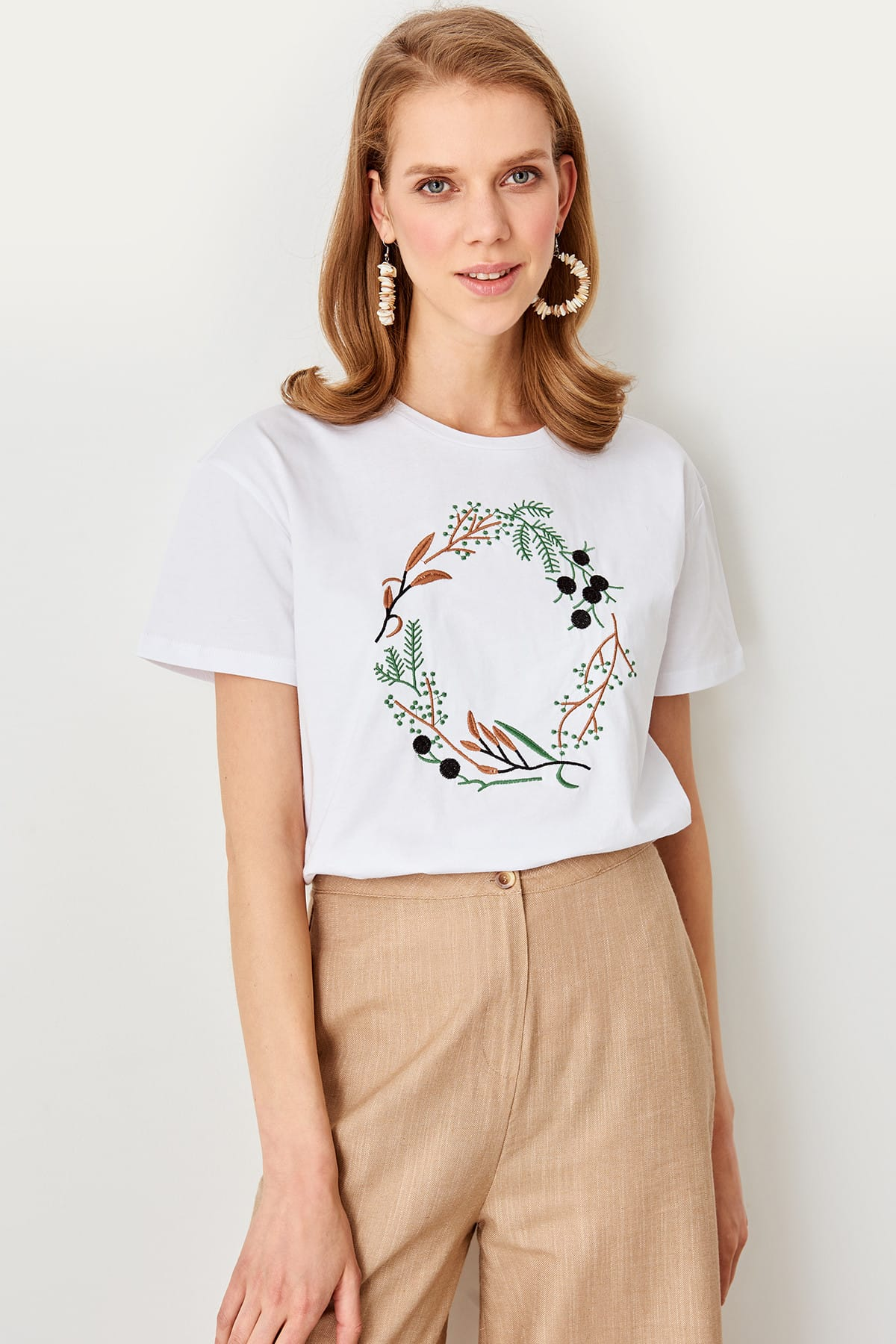 Trendyol White Embroidered Knit Basic t-shirt