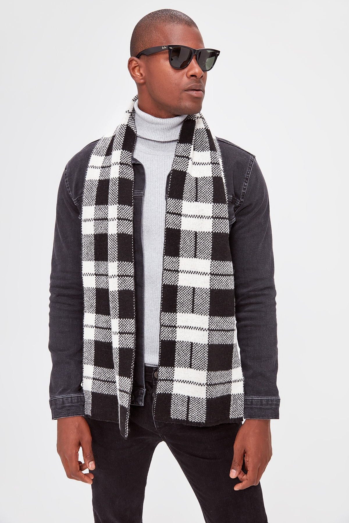 Trendyol Black Male Plaid Scarf