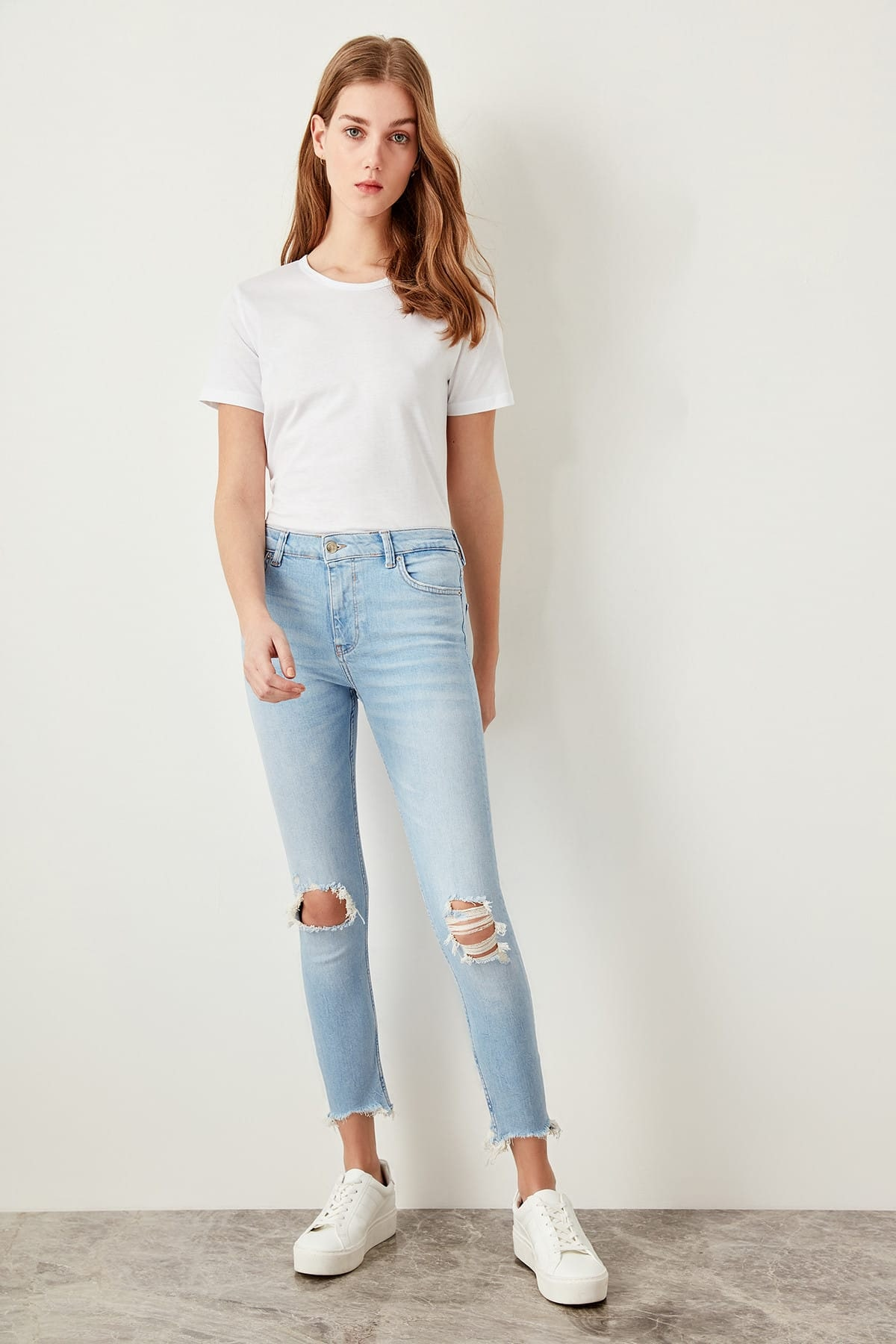 Trendyol Blue Tear Detailed Normal Waist Skinny Jeans