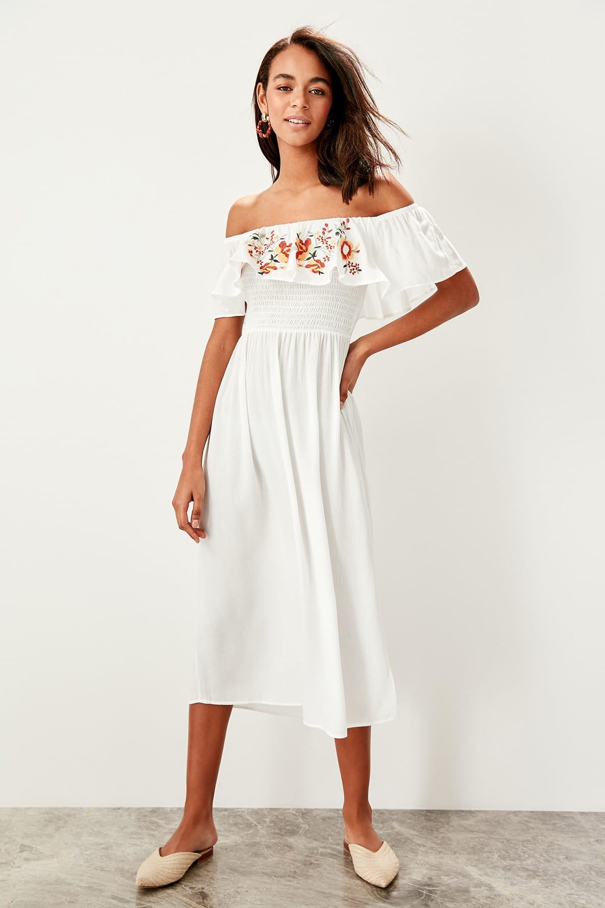 Trendyol dámské plážové šaty s výšivkou