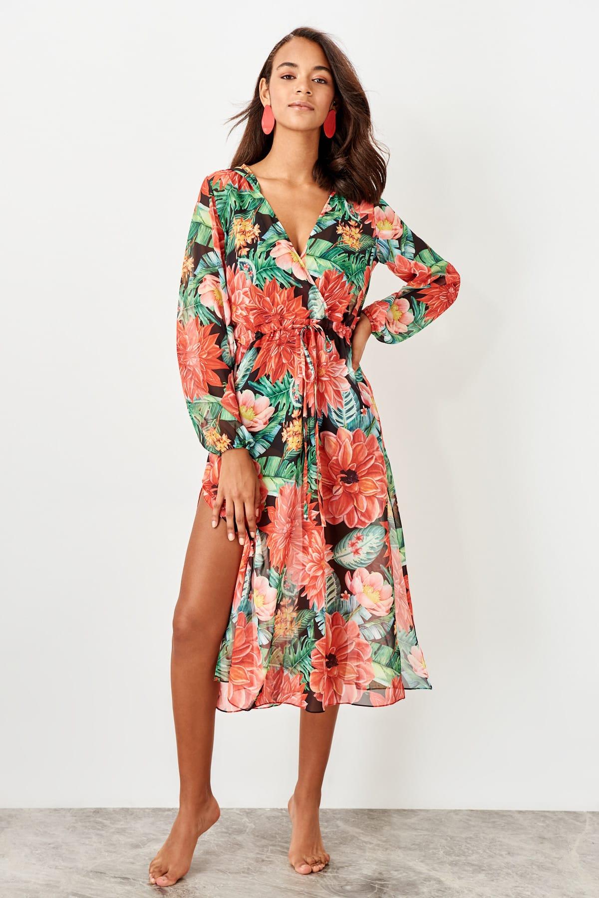 Trendyol dámske plážové šaty s kvetinovým vzorom a kapucňou