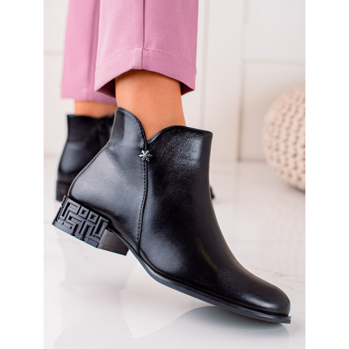 ANKLE BOOTS WITH DECORATIVE HEEL SERGIO LEONE