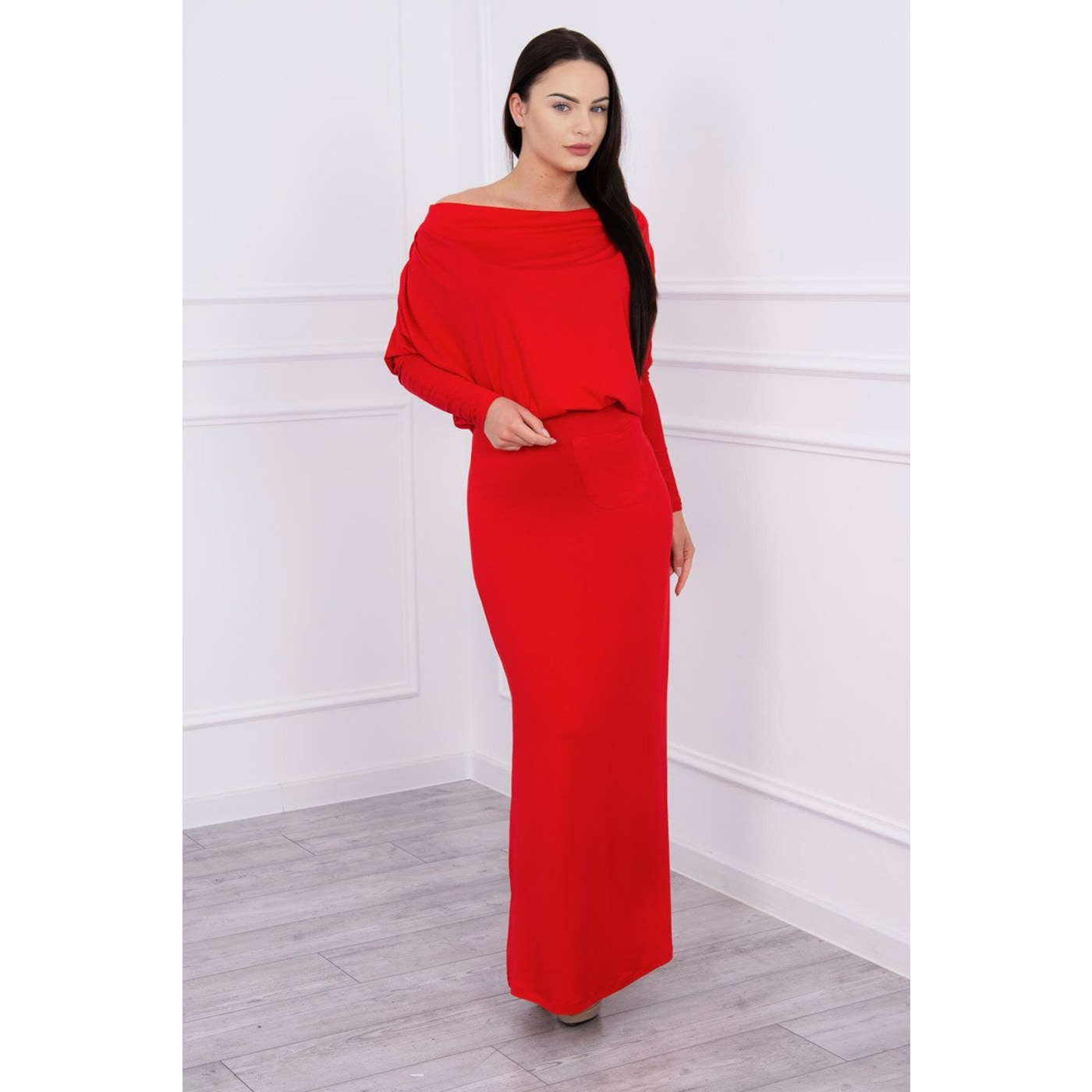 Dress with water in the neckline red