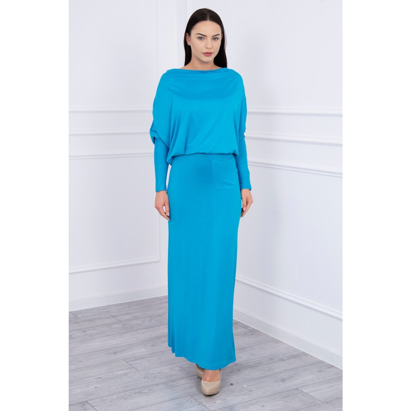 Dress with water in the neckline