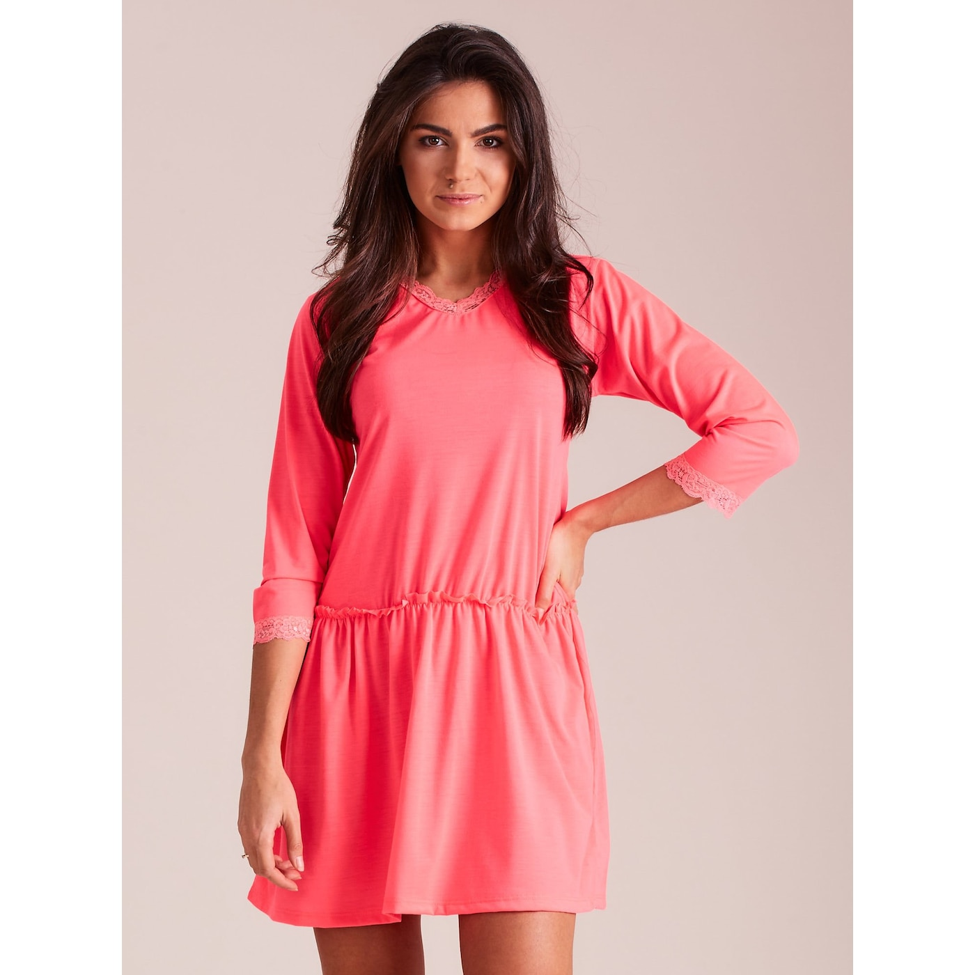 Fluo pink women´s dress with lace