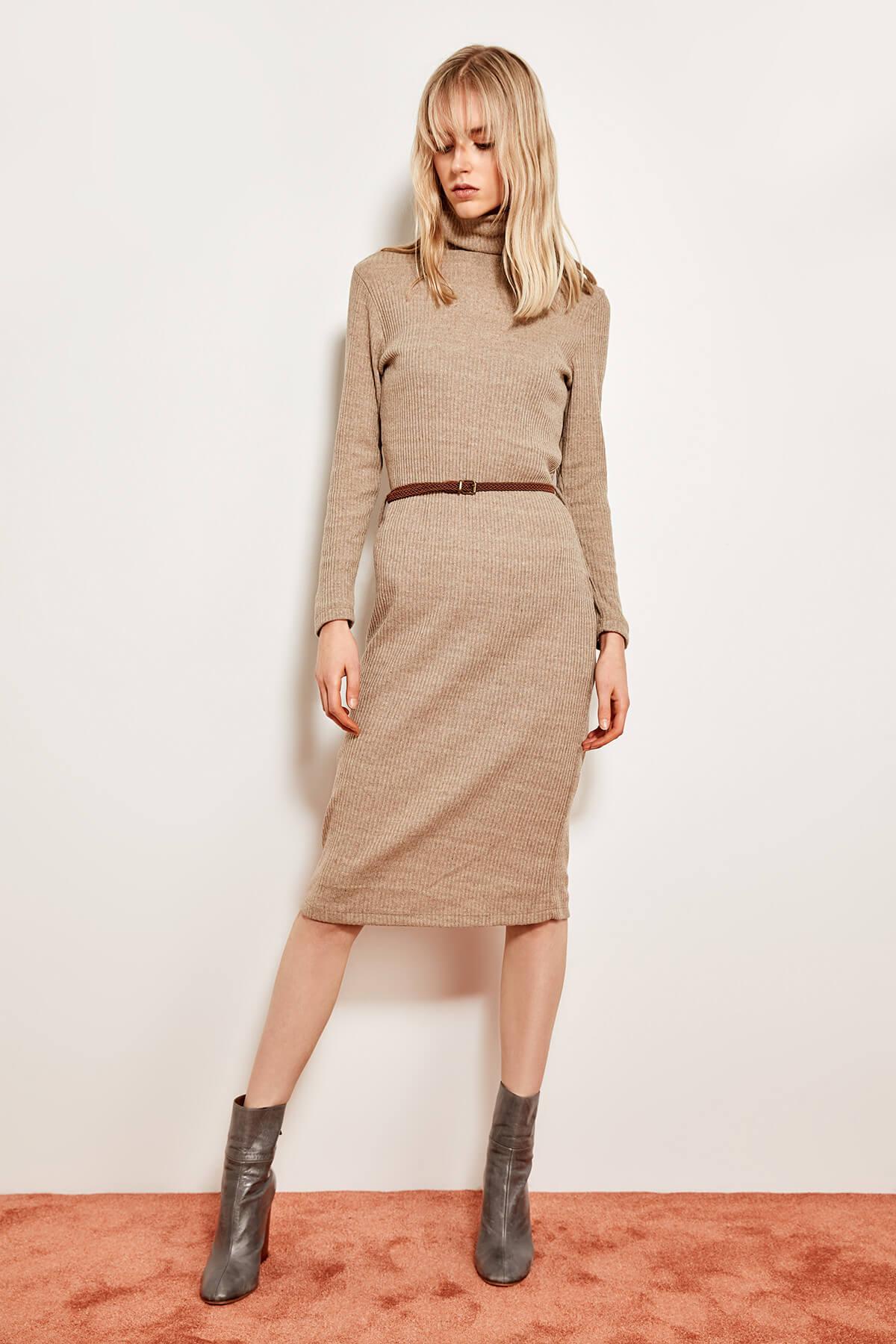 Trendyol dámske pletené šaty s opaskom