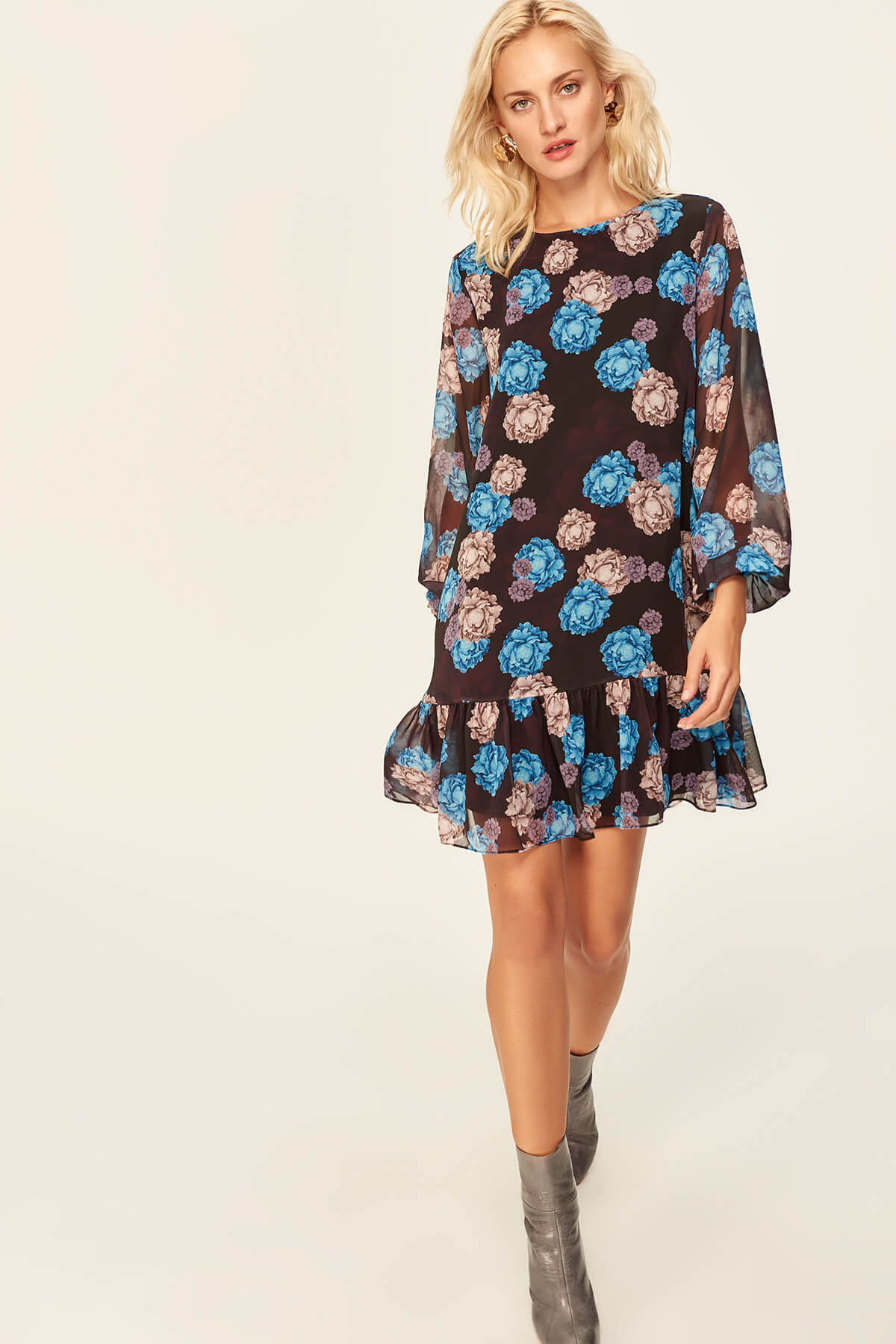 Trendyol Black Hand-Wheel Flowery Dress