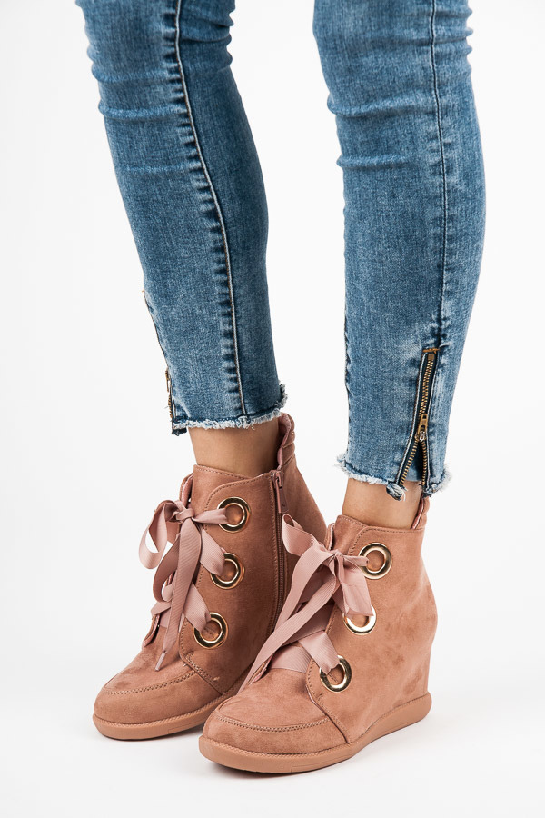 RIBBON-BOUND ANKLE BOOTS