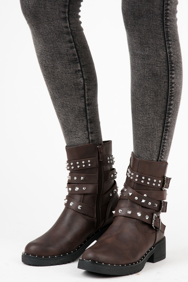 BROWN WORKERY WITH STUDS
